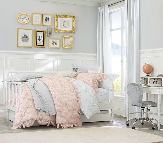 Pottery Barn Kids Key West Patchwork Twin Quilt Pink Girls: 0-25 All Girl Kids Quilts Comforters