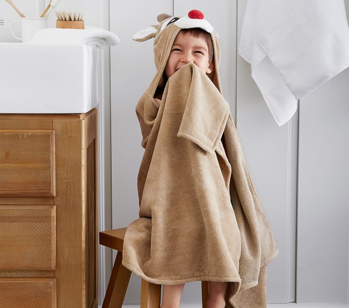 Rudolph The Red Nosed Reindeer 174 Hooded Towel Pottery